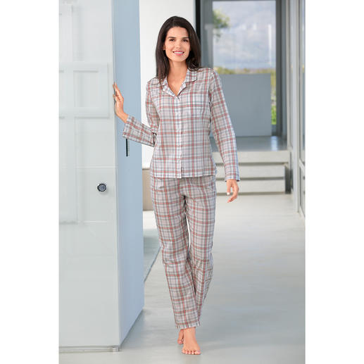 Pyjama à carreaux Novila Le pyjama idéal pour une bonne impression dès le matin.