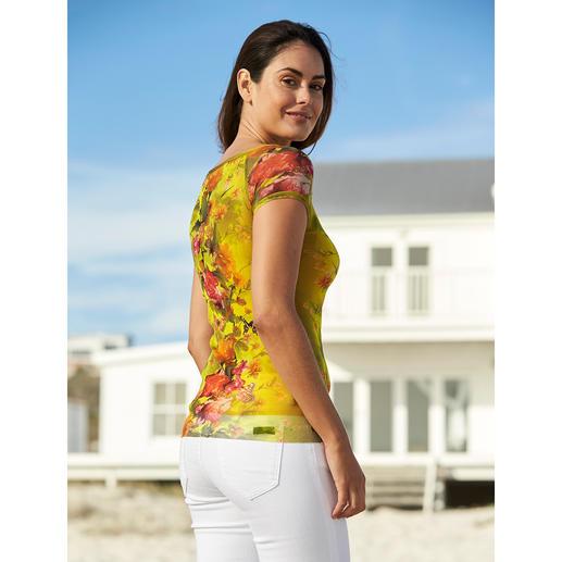 T-shirt de voyage Fuzzi Ultra léger, agréable à porter et aussi élégant qu'un chemisier. Par Fuzzi, Italie.