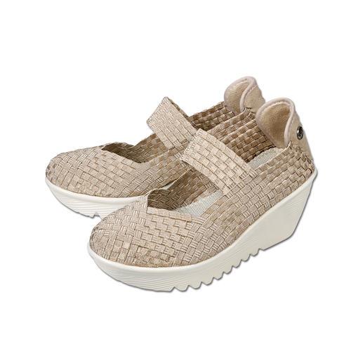 La tendance en direct des États-Unis : les chaussures compensées tressées par « Master of woven Footwear », bernie mev. New York. Difficile de faire plus confortables, plus légères et plus aériennes.