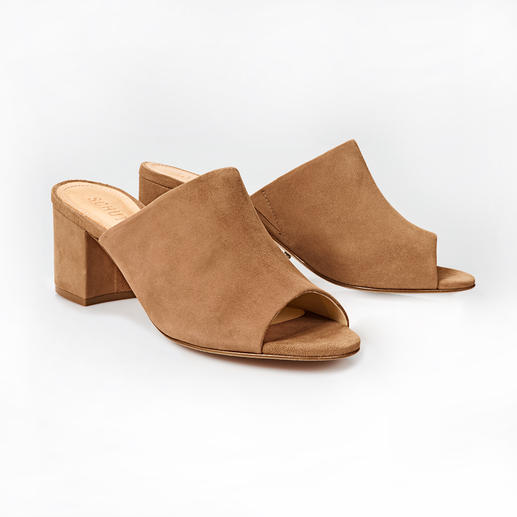 Mules Schutz La mule classique est de retour :  plus élégante et plus confortable que jamais. Par la marque Schutz.