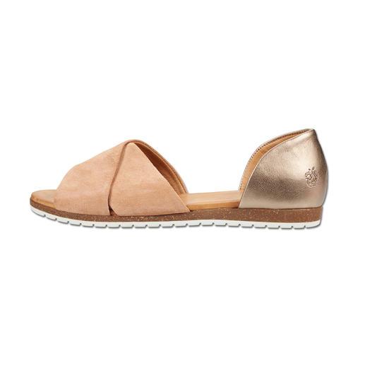 Sandales à brides croisées Apple of Eden Très « fashion » et plus élégante que la plupart des autres sandales. À un prix très équitable.
