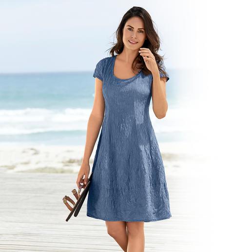 Robe estivale en soie fripée Une robe estivale en pure soie, ultra pratique. Qualité opaque qui se froisse peu – repassage superflu.