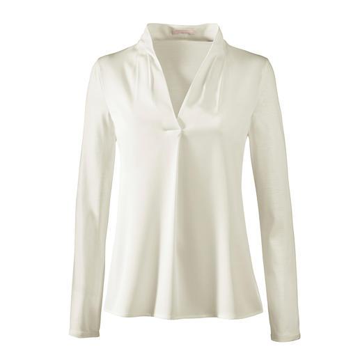 Blouse Strenesse, Col en V Élégante comme une blouse. Confortable comme une chemise. Mélange raffiné de jersey et de satin. De Strenesse.