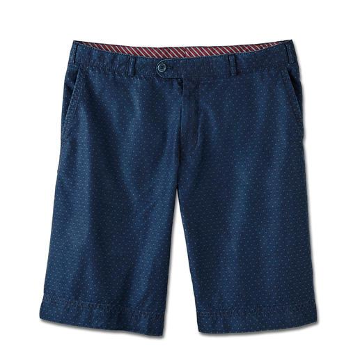 Le bermuda en jean des gentlemen. Le bermuda en jean des gentlemen. Par le spécialiste du pantalon Hoal.