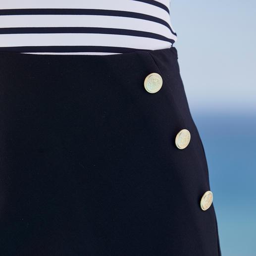 Jupe maritime Seductive La mode maritime est rarement aussi élégante (et aussi abordable). La jupe maritime signée Seductive.