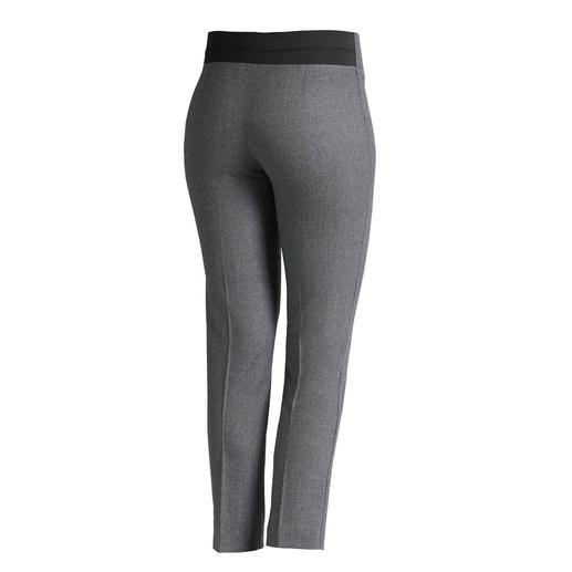 Pantalon en flanelle stretch Les Copains Coupe actuelle élancée et longueur raccourcie, à associer avec toute votre garde-robe. Signé « Les Copains ».
