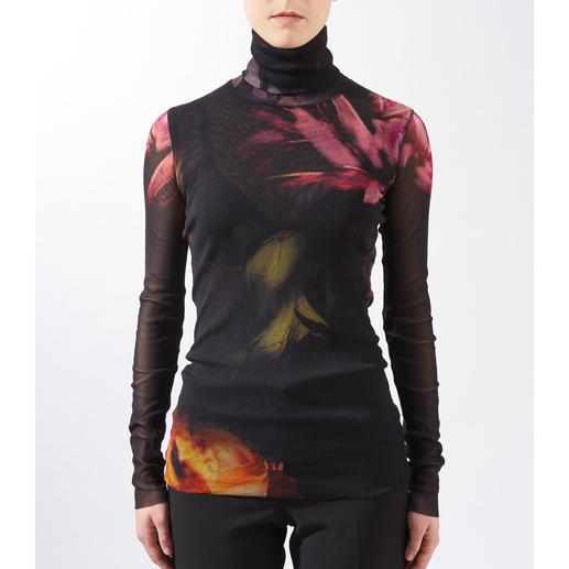 Pull à col roulé fleurs d'automne Fuzzi Le pull à col roulé léger de 110 g en tulle de jersey. Léger. Simple. Aussi élégant qu'une blouse. De Fuzzi.