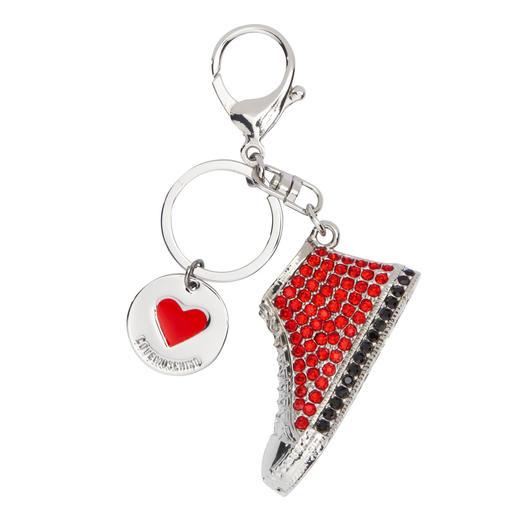 Breloques Love Moschino Il est rare que de petits accessoires soient aussi remarquables que les breloques signées Love Moschino.
