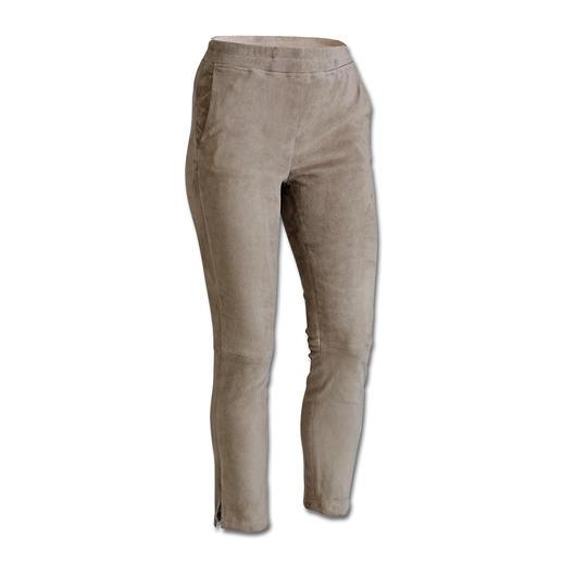 « Jogging » en cuir agneau velours Arma Le juste équilibre entre décontraction et féminité. Le luxueux « jogging » en cuir velours.