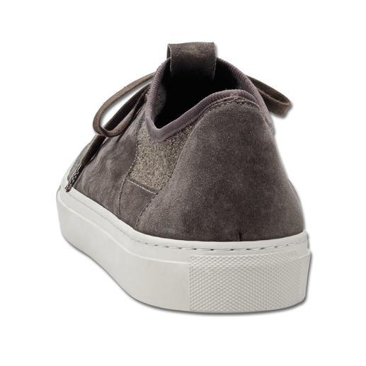 Sneaker en cuir et tricot Andrea Zori Aussi décontractée qu'une basket, aussi confortable qu'une chaussette : la sneaker en cuir avec insert tricoté.