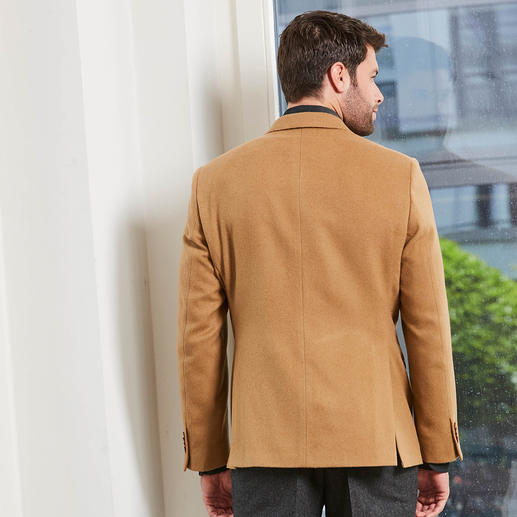 Veston en poil de chameau Kastell Noble et néanmoins abordable. Le luxe et la chaleur d'un veston en véritable poil de chameau.