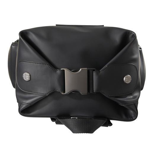 Sac à dos homme Hunter L'accessoire favori des festivaliers : le sac à dos en cuir imperméable de Hunter.