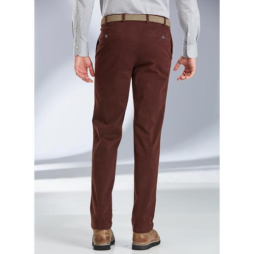 Pantalon Constant-Colour-Chino Hiltl Le pantalon chino foncé, dont les couleurs ne s'estompent pas. Teinture réactive, pour des couleurs vives.