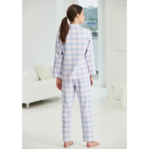 Pyjama à carreaux en flanelle NOVILA Le pyjama qui fait bonne impression dès le petit matin.