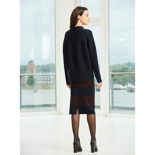Pull-over surdimensionné ou Jupe crayon en tricot Un ensemble épuré élégant en pure laine mérinos.