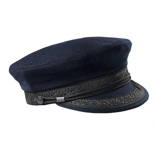Casquette bretonne Un modèle qui a fait ses preuves en haute mer et un accessoire top tendance : la casquette bretonne.