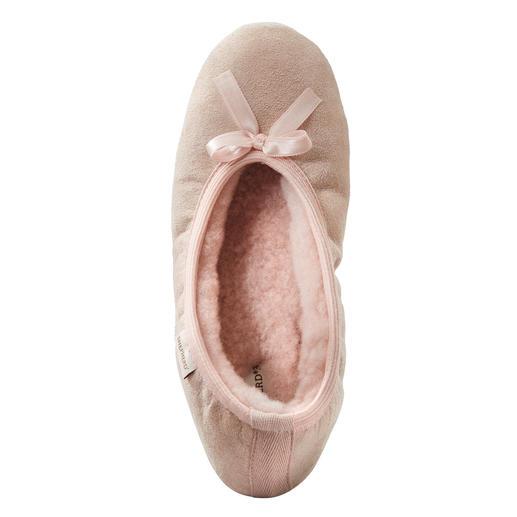 Ballerines en peau d'agneau Shepherd Version féminine et élégante du chausson en peau d'agneau. Signées Shepherd of Sweden.