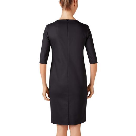 Robe basic Les Copains Flatteuse. Simple d'entretien. Et incroyablement polyvalente. Par le label Les Copains.