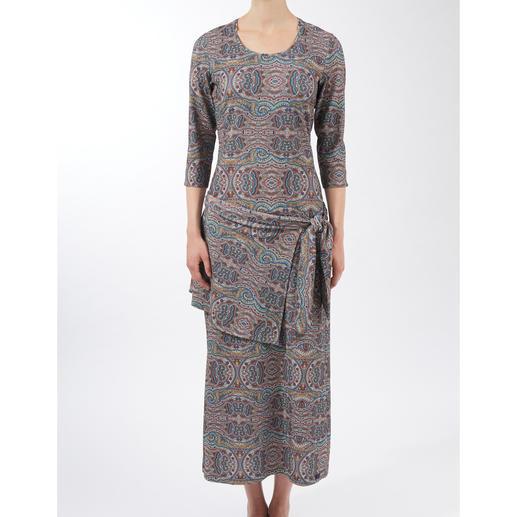 Robe infroissable, manches 3/4 La robe infroissable facile d'entretien.