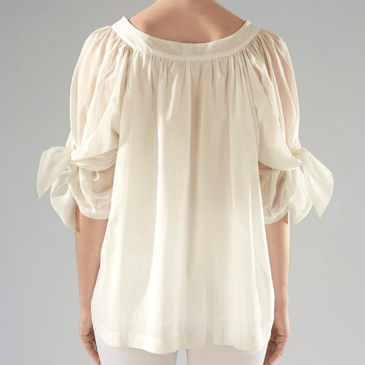 Blouse en batiste de coton Strenesse Parmi les blouses en coton aux manches évasées, celle-ci est le multi-talent à la mode. Par Strenesse.
