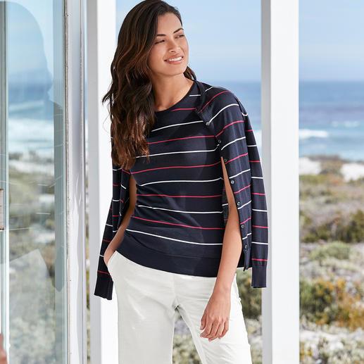 Twinset à rayure Smedley, marine/rouge/blanc Couleurs et rayures actuelles. Le twinset en tricot de qualité par John Smedley/Angleterre.