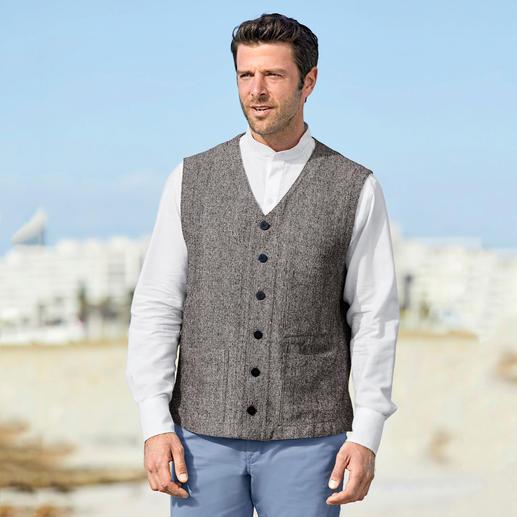 Gilet en tweed de soie Hollington Conception légendaire. Tweed de soie luxueux. La version estivale du vrai gilet Hollington.