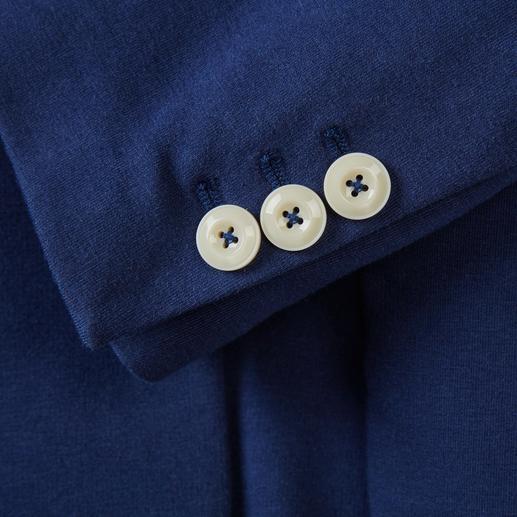 Blazer estival en jersey Circolo 1901 Aussi élégant qu'un blazer, aussi confortable qu'un cardigan. Tricot jersey, confection classique. Par Circolo.