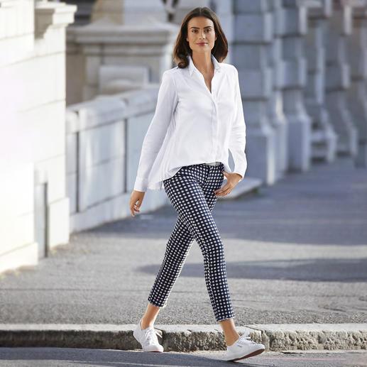 Jeans 5 poches Bottom up Liu Jo Peu de jeans à 5 poches flatteront autant votre fessier que le jean « bottom up » de Liu Jo Jeans, Italie.