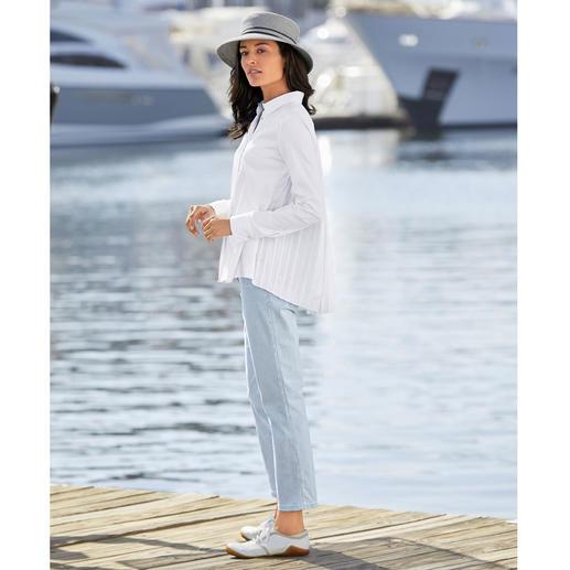 Chemise plissée van Laack Plus féminine et élégante que la plupart : la chemise à dos plissé. Par le spécialiste des blouses, van Laack.