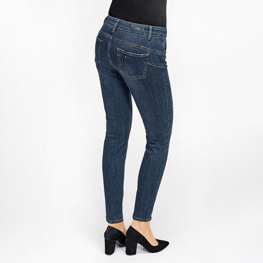 Peu de jeans flatteront autant votre fessier que le jean « bottom up » de Liu Jo Jeans, Italie. Peu de jeans flatteront autant votre fessier que le jean « bottom up » de Liu Jo Jeans, Italie.