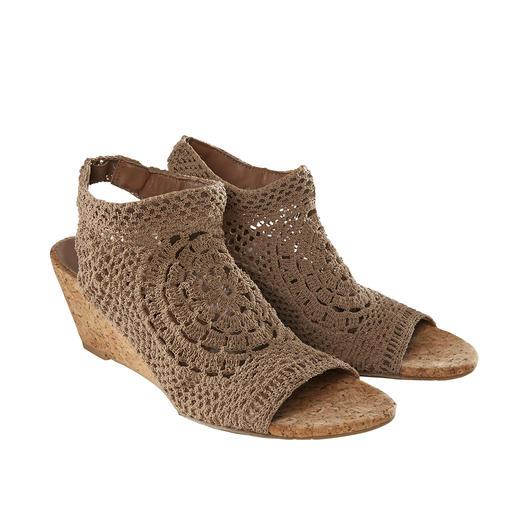 Chaussures plates Nina Originals ou à talon compensé Série limitée dans le monde entier, rare en Europe : la chaussure tricotée main, par Nina Originals, New York.