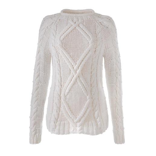 Pull estival tricoté main Eribé Parfait pour l'été – et pourtant si difficile à trouver : le pull Aran tricoté à la main. Par Eribé.
