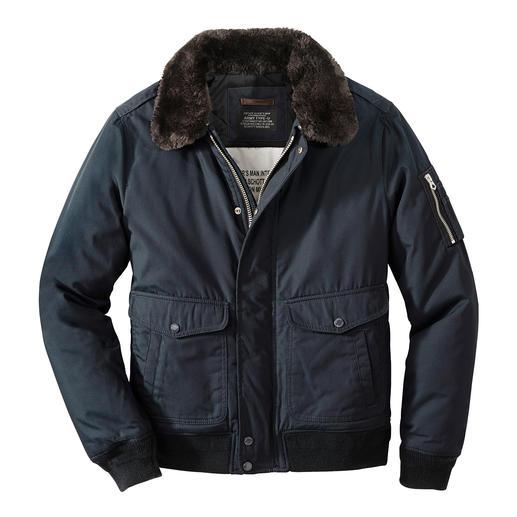 Veste d'aviateur en nylon Schott À nouveau tendance : la veste d'aviateur. Mais assurez-vous que ce soit l'original de Schott NYC.