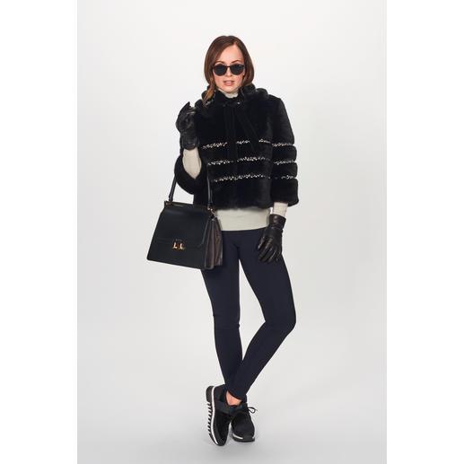 Veste couture ou Col en fausse fourrure Ainea En vogue : la fausse fourrure de luxe. Le meilleur de la marque italienne Ainea. La veste couture courte.