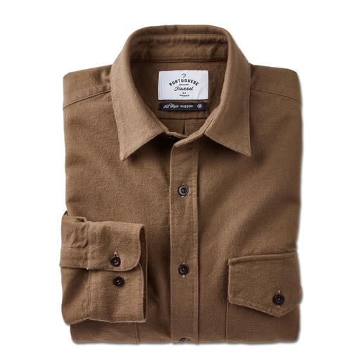 Chemise Moleskin Portuguese Flannel La chemise slim en moleskine de Portuguese Flannel : bien loin des vêtements de travail rustiques.