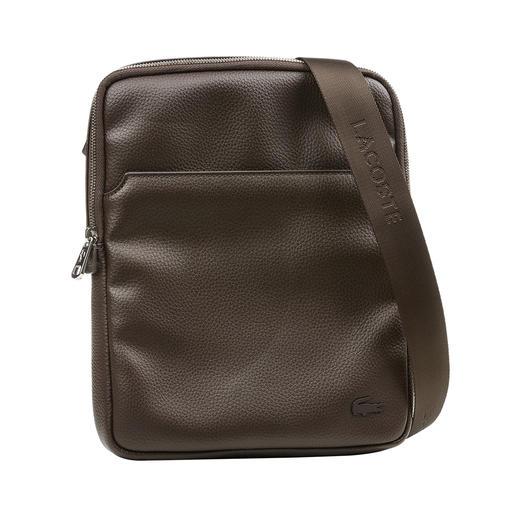 Sac à bandoulière Lacoste Longtemps recherché : le petit sac à bandoulière au look contemporain. De Lacoste, France.