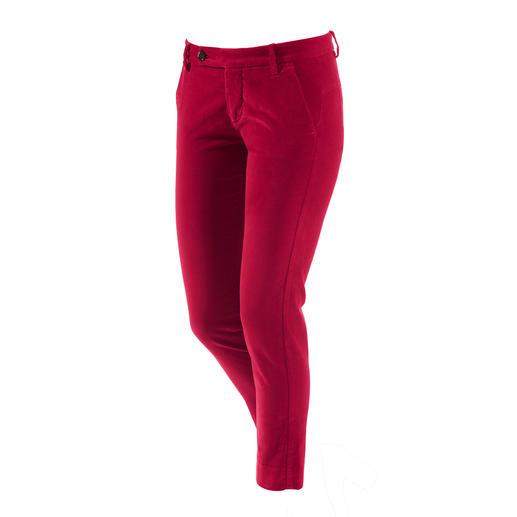 Intemporel et moderne : le pantalon en velours du label italien true nyc®. Le pantalon en velours du label italien true nyc®. Sportif et élégant, à la silhouette mince et raccourcie.