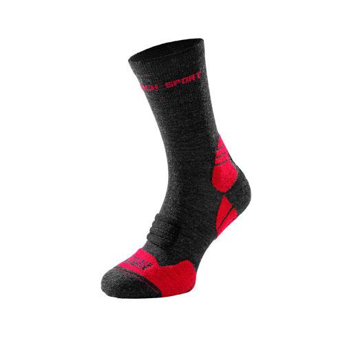 Chaussettes en laine mérinos biologique Le meilleur de deux mondes : des chaussettes de sport hautes performances – mais en laine mérinos biologique.