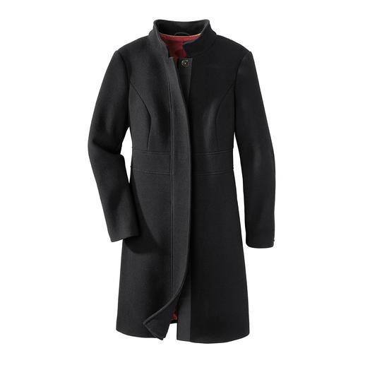 Manteau Black-Basic Le manteau basique noir parfait 24 heures sur 24. Coupe intemporelle et élégante. Tissu noble mais durable.