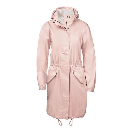 Parka de poche Aigle Chic et plus habillée que les vestes de pluie plissées habituelles. La parka de poche par Aigle, France.