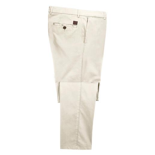 Pantalon chino Hoal Toucher peau de pêche, brillance soyeuse et confort indiscutable. Par le spécialiste du pantalon, Hoal.