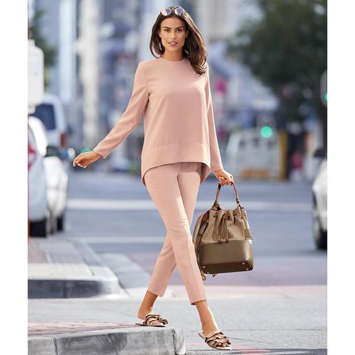 Pantalon ou Shirt 24 heures SLY010 Design tendance. Crêpe idéale en voyage. Coupe flatteuse confortable. De SLY010, Berlin.