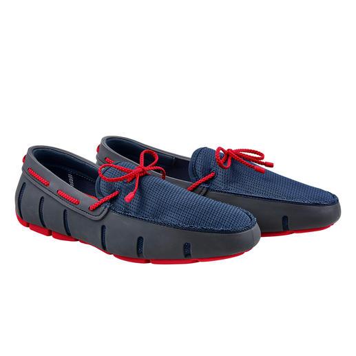 La chaussure « Wet-Shoe » pour gentlemen. Imperméable comme une chaussure de bain, aérée comme une sandale, élégante comme un loafer.