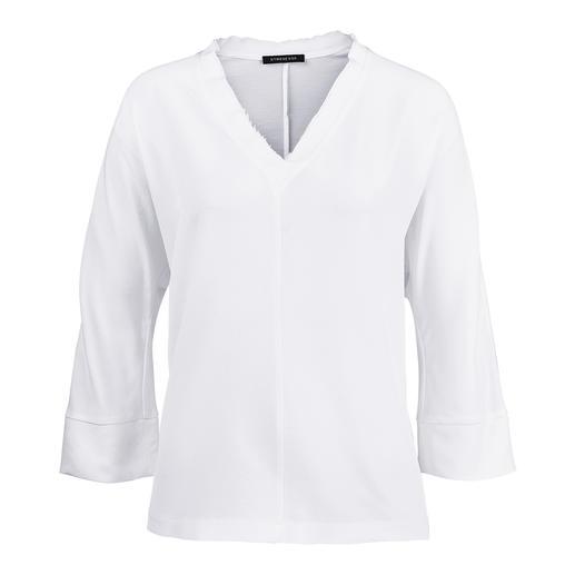 Blouse en soie Strenesse Coupe sportive. Matériau élégant. Strenesse a la blouse parfaite pour la tendance du « Sporty Elegance ».