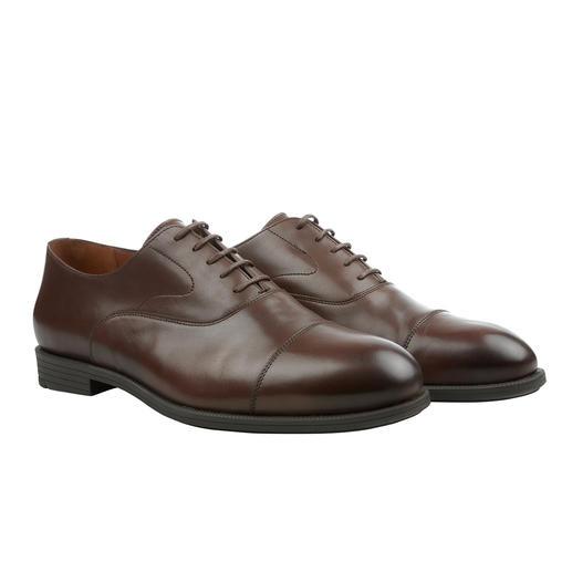 La chaussure d'affaire avec le confort d'une chaussure de loisirs. Votre solution la plus confortable pour les rendez-vous marathons. De Fliteless/Norvège.