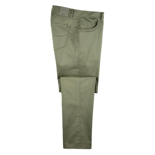 Le pantalon en coton le plus léger proposé au cours des 65 années d'existence de Brax. Le pantalon en coton le plus léger proposé au cours des 65 années d'existence de Brax.