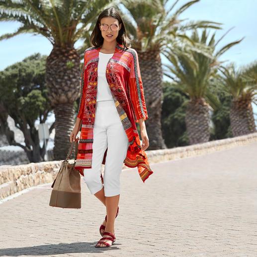 Veste en tricot kimono IVKO Tricot jacquard exceptionnellement multicolore à forme kimono tendance. Une rareté de Serbie. De IVKO.