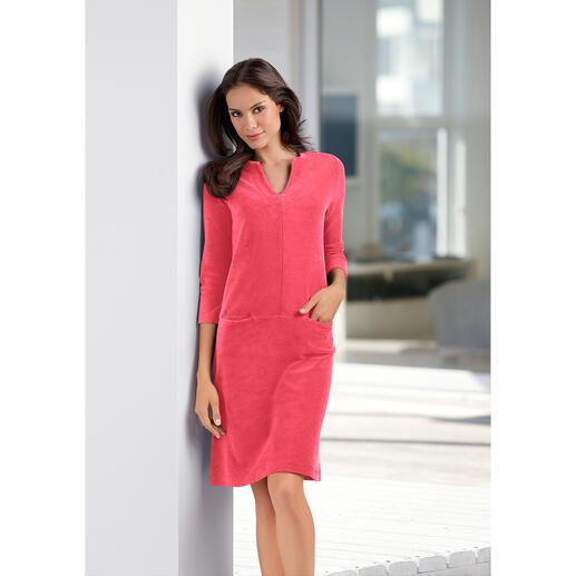 Robe Relax en tissu éponge Aussi confortable qu'un survêtement, mais plus séduisante. La robe simple d'entretien en tissu éponge.
