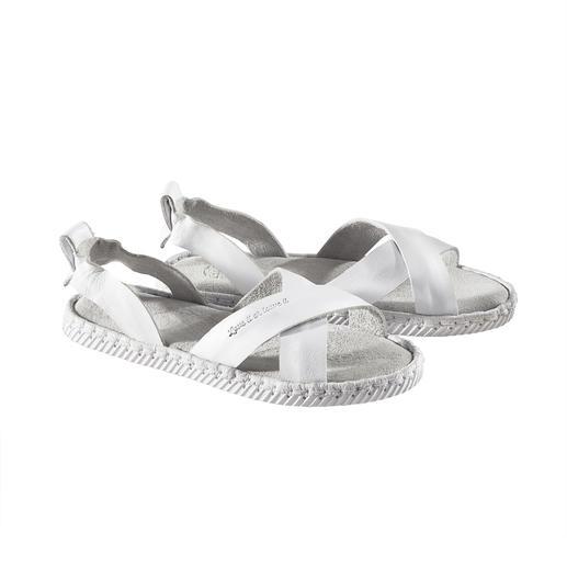 Sandale à brides croisées Chaaya Double succès tendance : lanières croisées + aspect espadrille. De Chaaya.