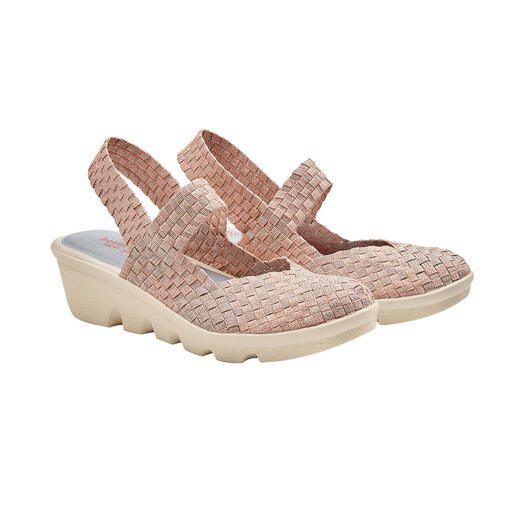 Chaussures tressées à talon compensé bernie mev. Difficile de faire plus confortables, plus légères et plus aériennes. Par bernie mev. New York.